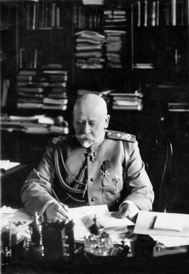Le général Soukhomlinov, chef d'état-major et ministre de la Guerre