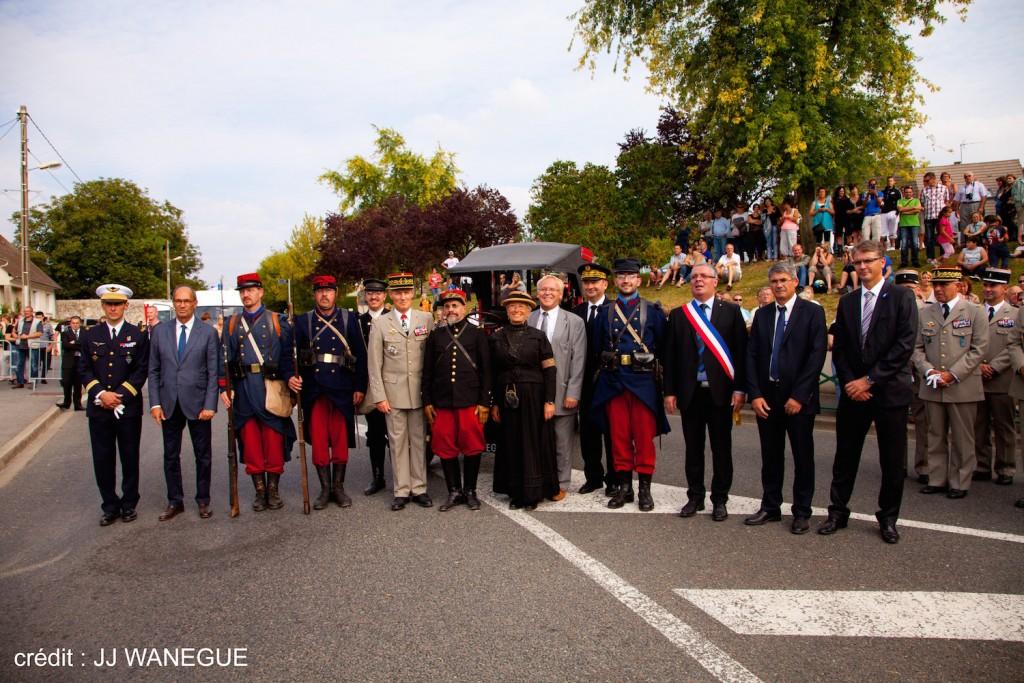 Image 09 - credit photo JJ WANEGUE - Centenaire des taxis a Nanteuil le Haudouin