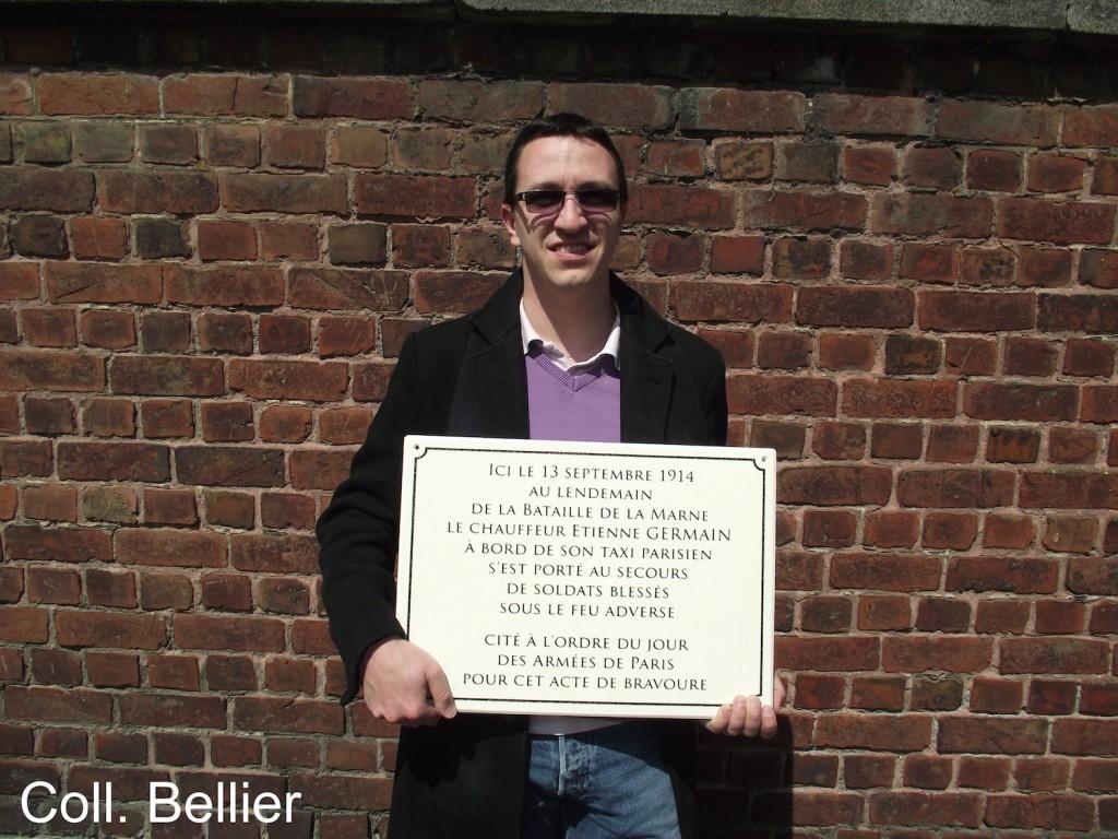 Image 13 - Brice et plaque Etienne GERMAIN