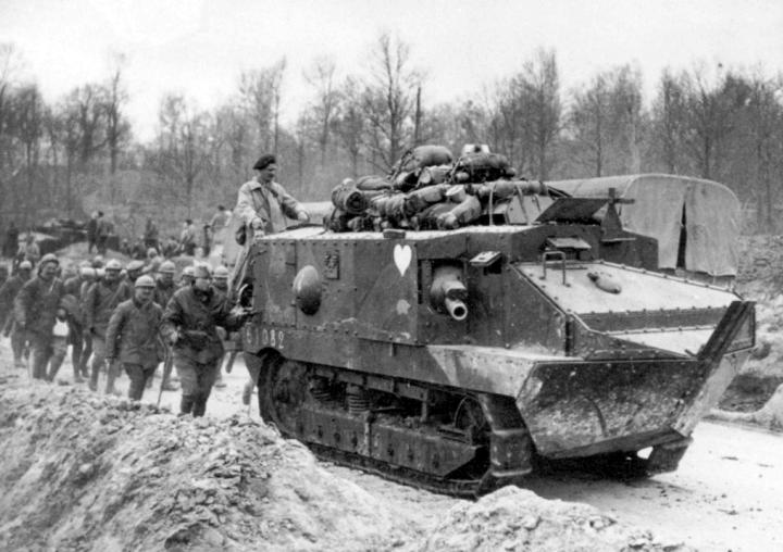 char-d-assault-schneider-light-tank-02