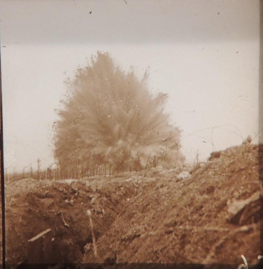 Explosion d'une mine française sous la première allemande